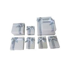 Boîtes en papier bijoux blanc avec papillon en soie argentée (PB-WRBS Serie)