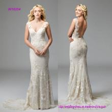 Fit-and-Flare V-Ausschnitt Brautkleid mit Plays Backdrop zu dramatischen Wildfell Blumenmotive