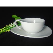 Tazón de café de porcelana con mango especial