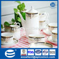Hochwertiger neuer Knochenkaffee-Set mit Goldabziehbild