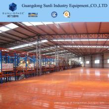 A cremalheira industrial do sistema do Decking do metal do shelving do armazenamento apoiou o mezanino