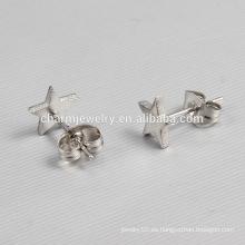2016 Nueva estrella del diseño de las señoras en forma de estrella de acero inoxidable Stud Pendientes ZZE012