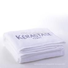 Serviettes de plage en gros de serviettes de bain de couleur de coton de couleur avec le logo