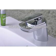 Qh0701 avec les robinets de cascade de salle de bains modernes de bec de Widly