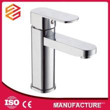 robinets de robinet de bassin poli chrome plaqué toilettes design carré robinet de bassin