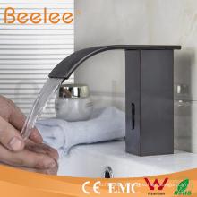 Robinet automatique infrarouge de robinet de salle de bains de robinet