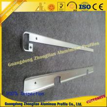 Profil en aluminium avec le perçage de perçage poinçonnant le traitement en profondeur de commande numérique par ordinateur