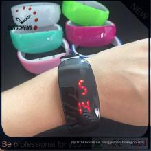 Reloj digital de 2016 nueva pulsera de luz roja LED Lady (DC-1356)