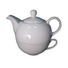 Pots à thé en porcelaine et tasses