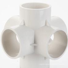 Molde de inyección de plástico para instalación de tuberías de PVC de canal caliente