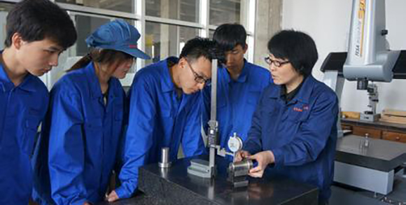Inspection of CNC milling parts