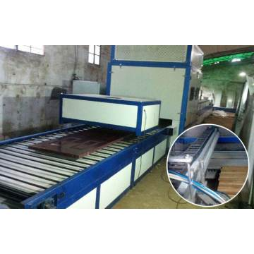 Conveyor belt drying oven