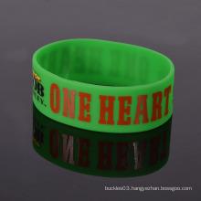 Factory custom green silicone bracelet / glow in dark silicone wrist band