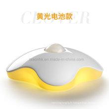 Lampe à induction de mouvement de corps humain de LED de trèfle de quatre-feuille