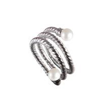 Anel de noivado com anel de torção de pérolas de água doce