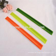 China Fabrik OEM Custom Promo Kinder PVC schwarz snap Armband