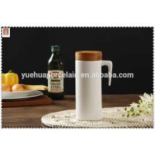 Керамический горшок с бамбуковой крышкой