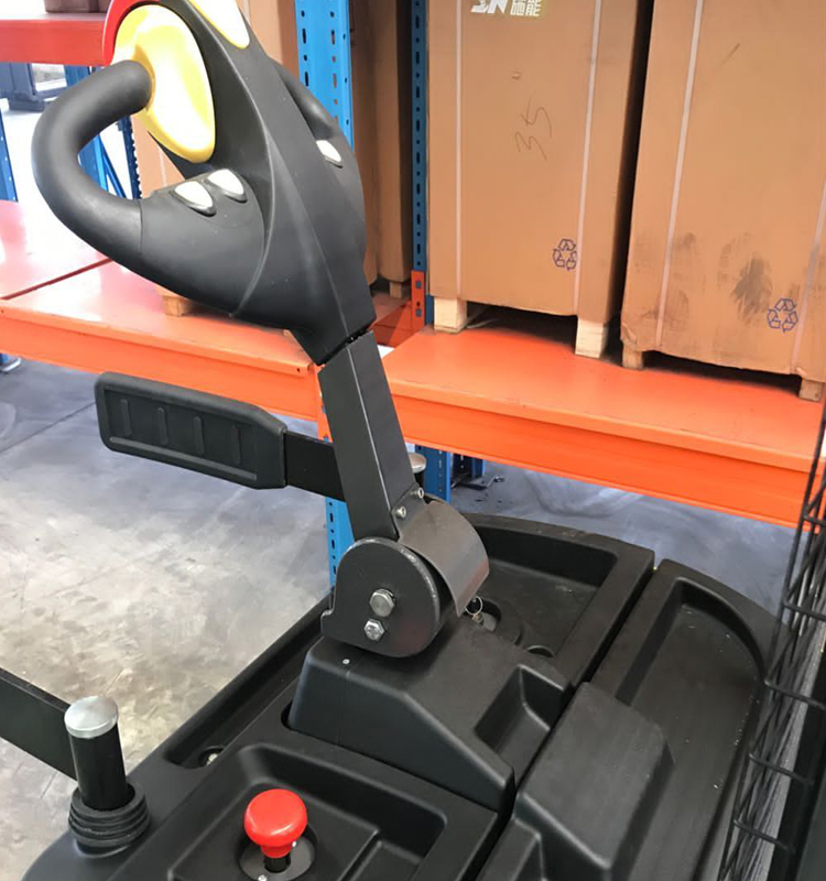 2ton electric stacker (16)