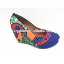 Mulheres bombas de cunha fechado dedo do pé digital impressão lona salto alto bombas sapatos