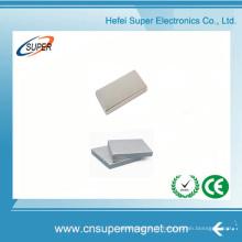 ISO9001 a certifié l'aimant permanent de bloc de néodyme de N52