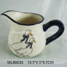 Diseño personalizado jarra de agua de cerámica de diseño, jarra de leche de cerámica con patrón de pato