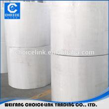 Tapete de poliéster reforçado para membrana de betume