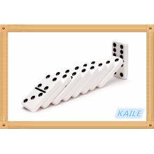 Doppel 6 schneeweiße Domino-Packung in Holzkiste