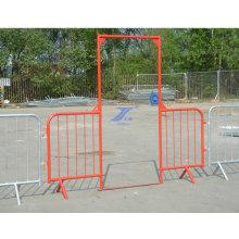 Temporärer Zaun und Tor der Mengenkontrolle