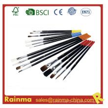 Pinsel mit verschiedenen Farben
