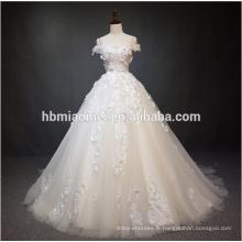 Luxe hors de la robe de mariée robe de mariée dentelle dentelle épaule avec grande queue