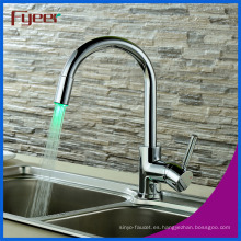 Fyeer Cheap Brass Chrome Plated LED Faucet Cocina