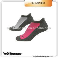 Chine chaussette personnalisée pour courir le fabricant, courir les chaussettes