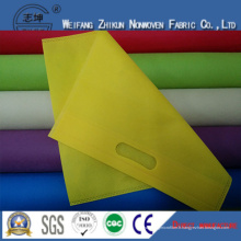 Tissu non tissé de Spunbond de 100% pp pour des sacs à provisions / sacs de cadeaux