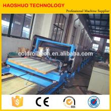Techo de emparedado de PU y panel de pared que forma la cadena de producción continua de la máquina