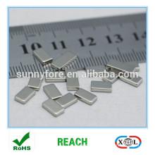 geringen Größe Quadermagnet für Kreditkarte