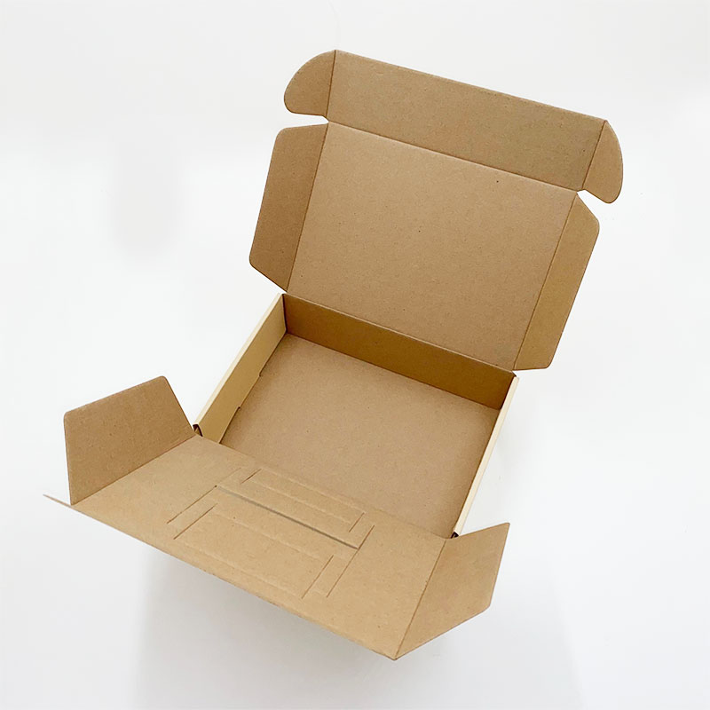 Cardboard clamshell packaging box
