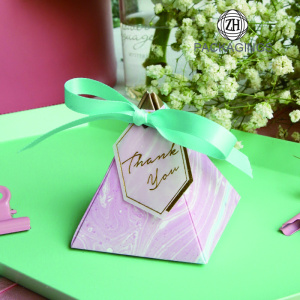 Creative pyramid gift box for candy
