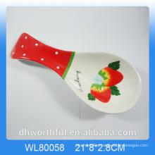 Подставка для керамической посуды из керамики клубники