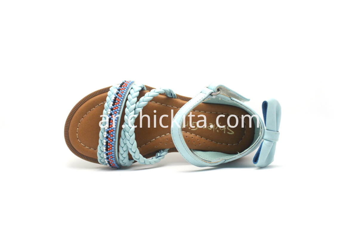Flats shoes with unique design