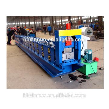 Hebei xinnuo preço barato praça de aço tampa de chuva de água calha rolo formando máquina folha de coberturas para venda