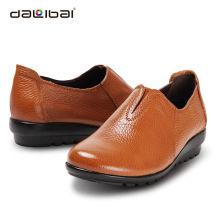 Venda por atacado barato multiply cores mulheres macio sapatos de couro único casual