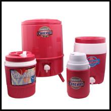 4PCS isolierte Plastikgetränk-Eis-Krug-Set