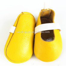 Alibaba de moda al por mayor solo zapatos de cuero de los bebés zapatos de fiesta con cinta elástica