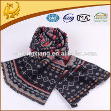 2016 Plus récent Fashionable A Variety Of Designs 100% soie jacquard foulard