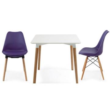 Cadeira de moda pequena de cores diferentes
