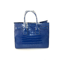 New Arrival European Brand Office Red Stone Fold Woven Handle Leather Handbags for Lady