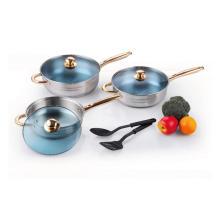 Kochgeschirr aus Edelstahl mit Küchenwerkzeug aus Nylon