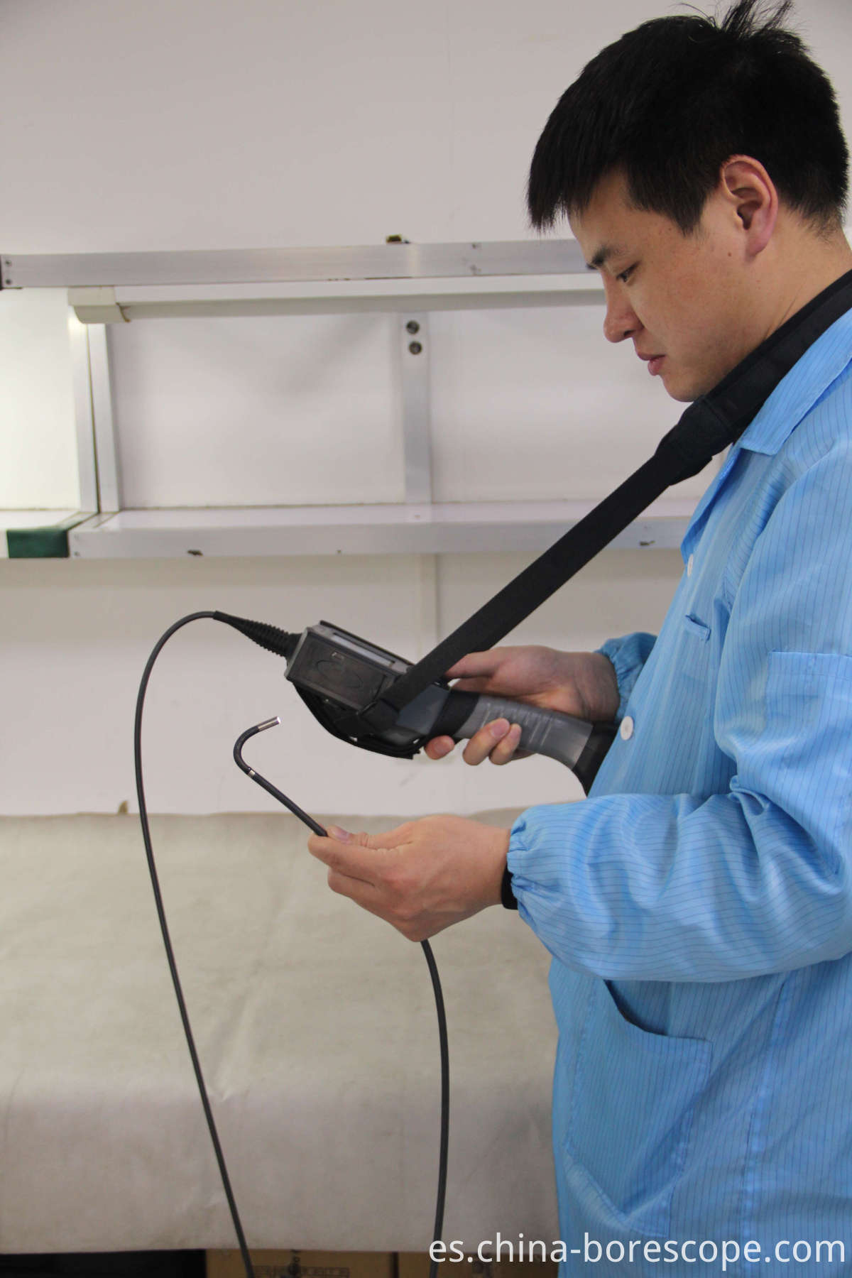 Handheld video borescope