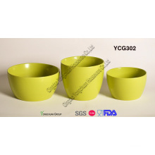 Ensemble de pot de ceramique en couleur verte