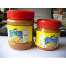 Erdnussbutter in PET-Flasche verpackt